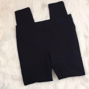 EUC Black HUE Knit Leggings